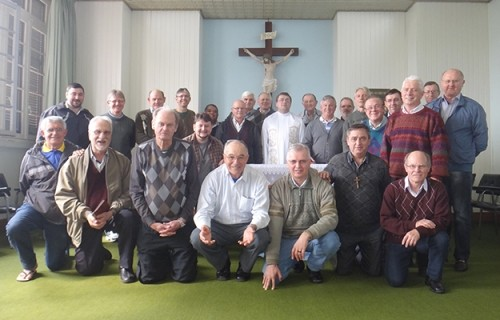 Padres participam de Retiro no CECREI, em São Leopoldo