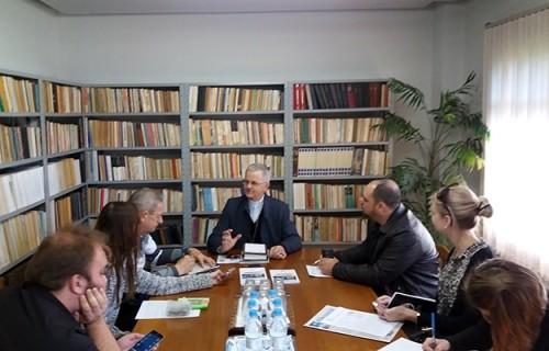 Dom Aloísio concede entrevista à imprensa