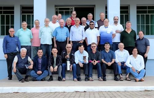Padres da Diocese participam de retiro espiritual