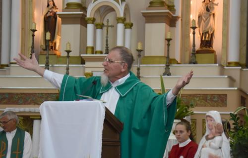 Pe. João Bernardo é acolhido em Putinga