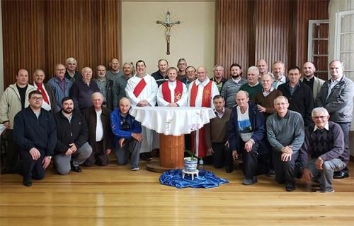Padres seguem trilha de Santo Inácio de Loyola