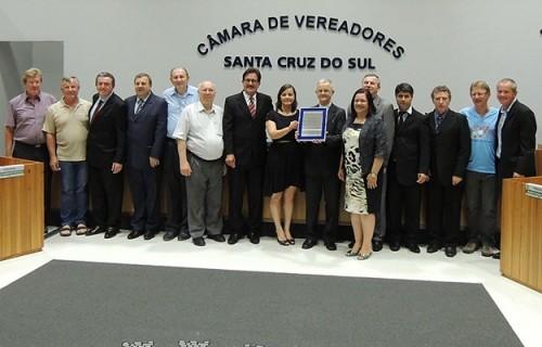 Câmara de Vereadores da Santa Cruz homenageia projetos sociais da Diocese