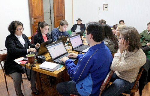 Treinamento para uso do site na comarca de Arvorezinha