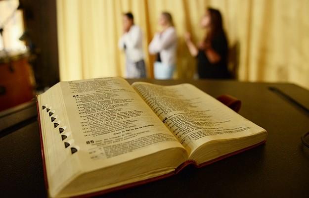 """""""A celebração da palavra é forma privilegiada de encontro com o Senhor"""", diz dom Aloísio Dilli"""