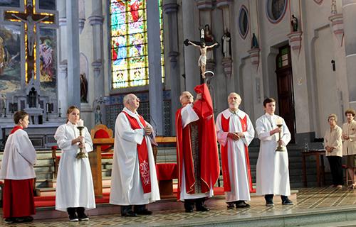 Dom Aloísio presidiu cerimônia da Paixão na Catedral